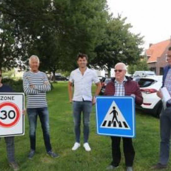 Wijkraad Oude Kom verkeersborden